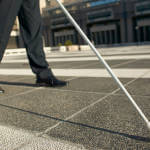 Уже тиждень у Вінниці працює Муніципальна служба супроводу осіб з інвалідністю по зору I групи