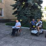 Шосткинские колясочники провели акцию протеста возле мэрии