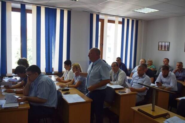 Щороку близько 25 людей в Ужгороді стають інвалідами внаслідок захворювання на коксартроз. ужгород, засідання, имплант, хворий, інвалідність