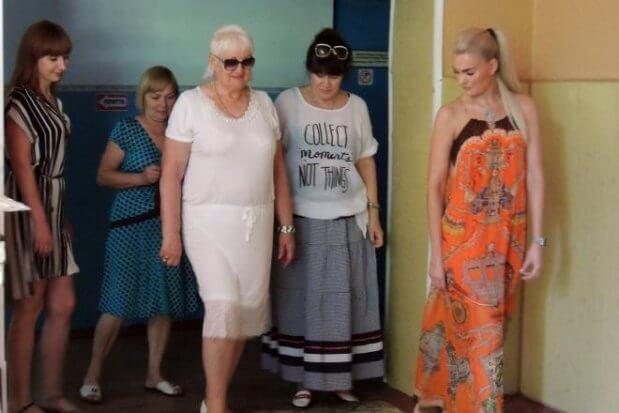 Людей с инвалидностью в Мелитополе учат дефилировать на показе мод. мелітополь, дефиле, инвалидность, показ мод, проект шитье без ограничений