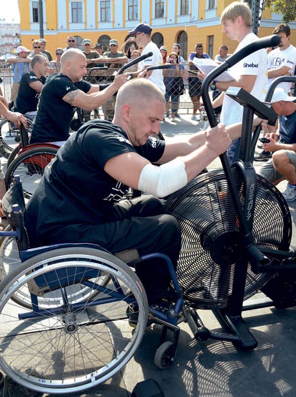 Підтягнутися 40 разів… з інвалідного візка. ігри героїв, одеса, ветеран ато, військовослужбовець, змагання