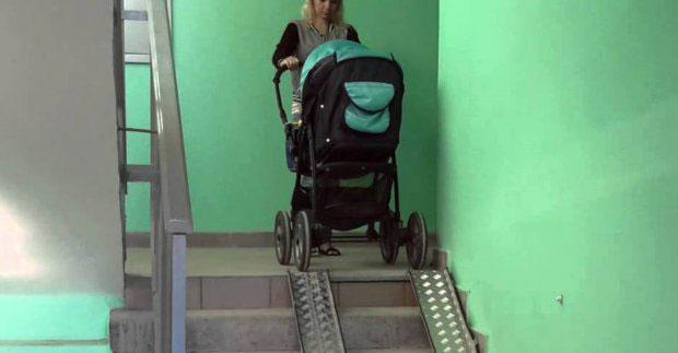 У житлових будинках встановлять 185 з'їздів для колясок