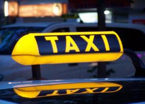 У Черкасах студентам-візочникам виділятимуть кошти на проїзд у таксі. внз, черкаси, грошова допомога, студент-візочник, таксі