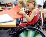 Інклюзивна освіта: як розвивається цей напрямок у Черкасах. черкаси, учень, інвалідність, інклюзивна освіта, інклюзія, person, indoor, table, sitting, child, clothing, toddler. A small child sitting on a table