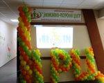 В Маневичах відкрили інклюзивно-ресурсний центр (ФОТО). ірц, маневичі, особливими освітніми потребами, соціалізація, інвалідність, indoor, wall, balloon, party supply, candy, toy, colorful, several, cluttered. A bunch of food on a table