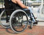 Місто з обмеженими можливостями або один день в інвалідному візку (ФОТО, ВІДЕО). черкаси, доступність, експеримент, інвалідний візок, інвалідність, outdoor, bicycle, building, ground, wheel, sidewalk, person, furniture, bicycle wheel, wheelchair. A bicycle parked on the side of a building
