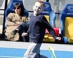 «Миша очень окреп, полюбил бег и научился прыгать». «kids autism games», аутизм, проект, соціалізація, спортсмен, road, person, footwear, sport, clothing
