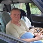 Лучанина, який жив у машині, прилаштують у притулок від церкви
