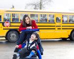 Що треба знати батькам про інклюзивну освіту: запущений новий онлайн-курс. edera, го смарт освіта, лекція, онлайн-курс, інклюзивна освіта, road, outdoor, yellow, sky, transport, bus, child, vehicle, land vehicle, person. A person in a yellow school bus parked in a parking lot