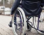 Прорыв в медицине: В США создали имплант, позволяющий парализованным снова ходить. сша, имплант, парализованный, позвоночник, спинной мозг, ground, outdoor, bicycle, wheel, bicycle wheel, tire, land vehicle, sidewalk, vehicle, parked. A bicycle parked on a sidewalk
