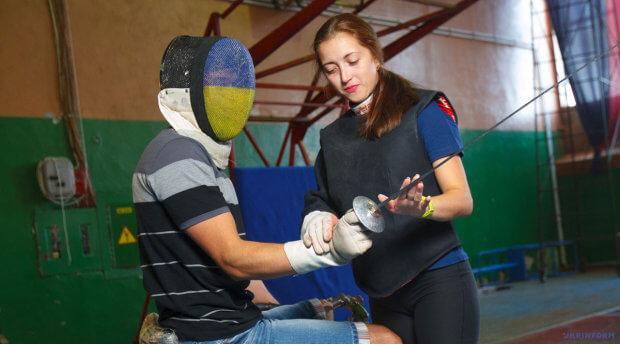 Емілія Мадяр, тренерка: «Паралімпійське фехтування – це як шахи, але в русі». емілія мадяр-фазекаш, паралимпиец, тренерка, фехтування, інвалідність