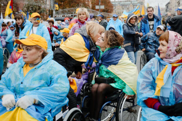 «Про які пандуси ми говоримо, коли я в туалет без допомоги сходити не можу». В Києві відбувся марш за права людей з інвалідністю. київ, конвенція оон, марш, ратифікація, інвалідність
