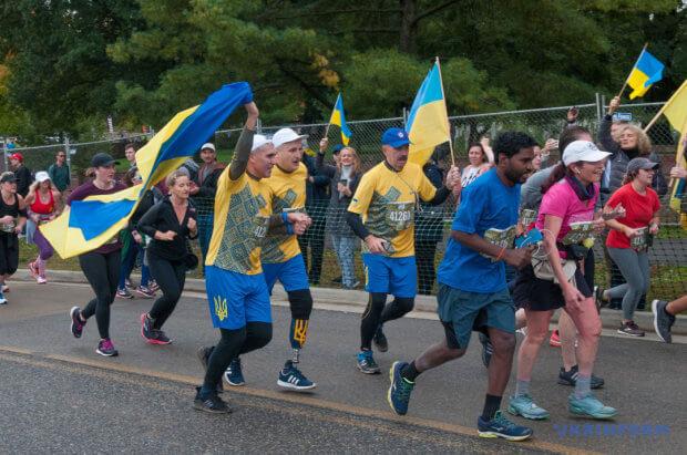 Українські воїни, поранені в АТО, пробігли Марафон Морської піхоти у США. марафон морської піхоти, сша, воїн ато, військовослужбовець, поранений