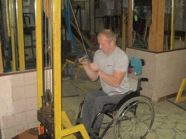 Чоловік з Бердичівщини, незважаючи на інвалідний візок, виборює нагороди на чемпіонатах ОЛЕКСАНДР ГУСАР АРМРЕСЛІНГ ТРАВМА ЧЕМПІОНАТ СВІТУ ІНВАЛІДНИЙ ВІЗОК