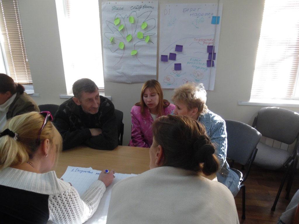 На Луганщині людей з інвалідністю навчають впливати на владу та захищати власні права