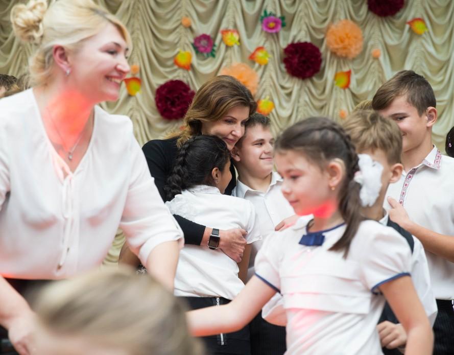 Марина Порошенко відкрила новий Петриківський інклюзивно-ресурсний центр та привітала освітян Дніпропетровщини з професійним святом