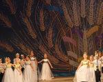 У Вінниці відбудеться фестиваль творчості для людей з особливими потребами. багряна осінь на поділлі, вінниця, гала-концерт, фестиваль, інвалідність, wedding dress, bride, dress, indoor, clothing, person, woman, dance, wedding, decorated. A group of people on a stage