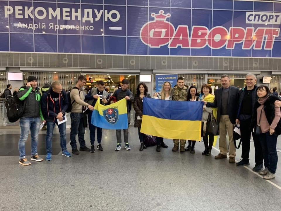 Ветерани АТО вилетіли в США для участі в Марафоні морської піхоти, – Порошенко (ФОТО)