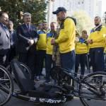 Світлина. Президент побажав нашій команді ветеранів успіхів на «Іграх нескорених» в Сіднеї. Спорт, змагання, спортсмен, Ігри Нескорених, ветеран, Петро Порошенко