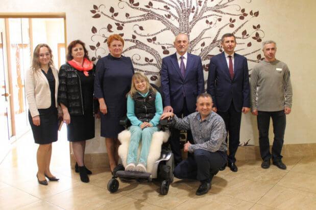 Життя на інвалідному візку не закінчується, а набуває нового змісту: на Волині функціонує унікальний реабілітаційний центр (ВІДЕО) АГАПЕ ВОЛИНЬ СУСПІЛЬСТВО ТРАВМА ІНВАЛІДНІСТЬ