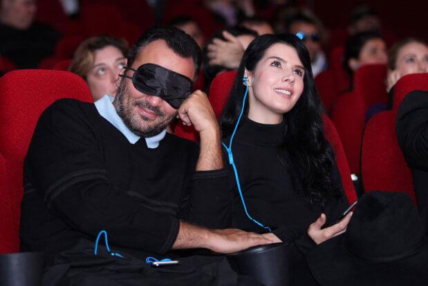 Кіно для всіх: як активісти адаптують фільми для незрячих та де можна подивитися ці стрічки?. аудіодискрипція, волонтер, незрячий, прес-конференція, фильм