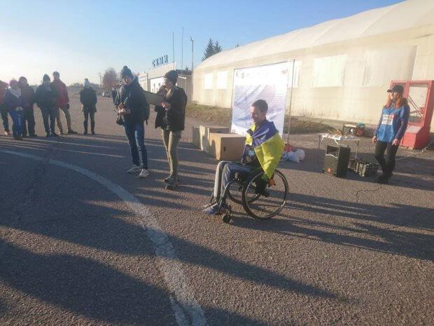 Сумчанин встановив рекорд, подолавши десятикілометрову дистанцію на інвалідному візку ІГОР ЛУГИНА НАПІВМАРАФОН SUMY AІRPORT RUN РЕКОРД СПОРТСМЕН ІНВАЛІДНИЙ ВІЗОК