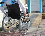 У Ковелі вдалось чимало зробити щодо створення зручностей для людей з інвалідністю. ковель, доступність, засідання, зручність, інвалідність, bicycle, ground, outdoor, wheel, bicycle wheel, land vehicle, bike, vehicle, sidewalk, tire. A person sitting on a bicycle