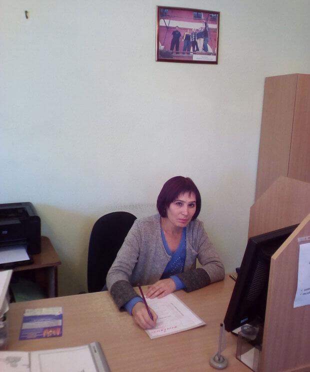 За сприяння служби зайнятості жінка з інвалідністю допомагає землякам знайти свій професійний шлях. добровеличківка, працевлаштування, центр зайнятості, інвалідність, інтеграція