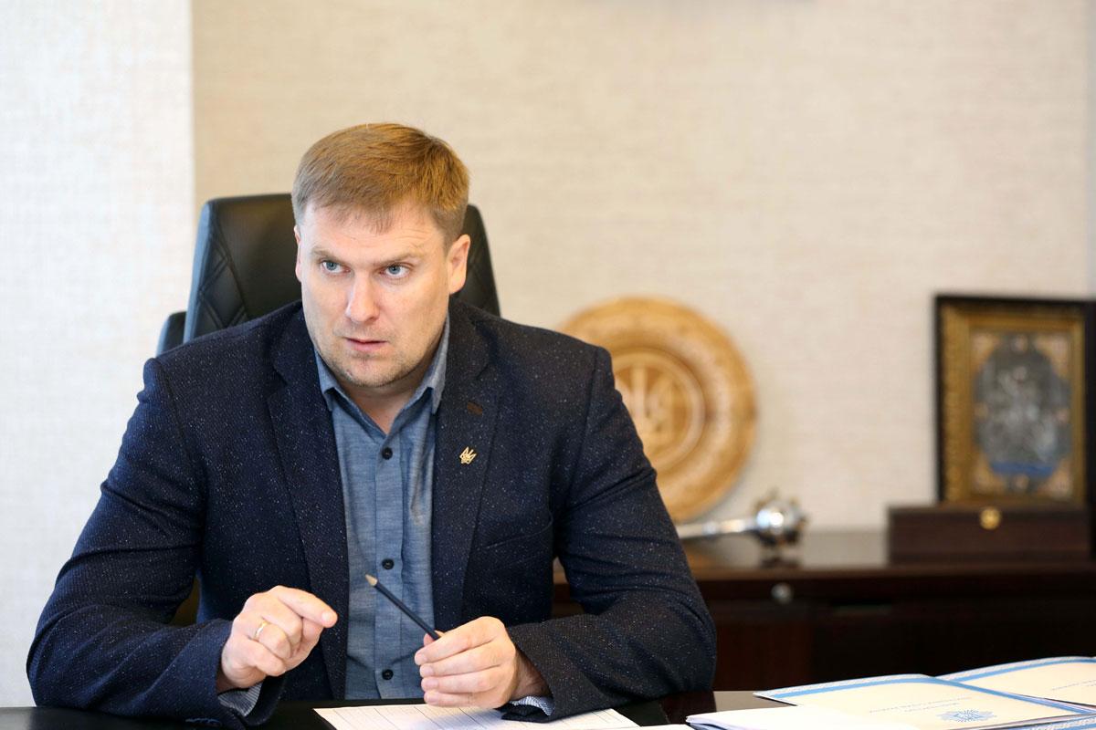 Вадим Троян: Рада законодавчо врегулює питання безпечного руху для осіб з інвалідністю, які пересувається в колісних кріслах