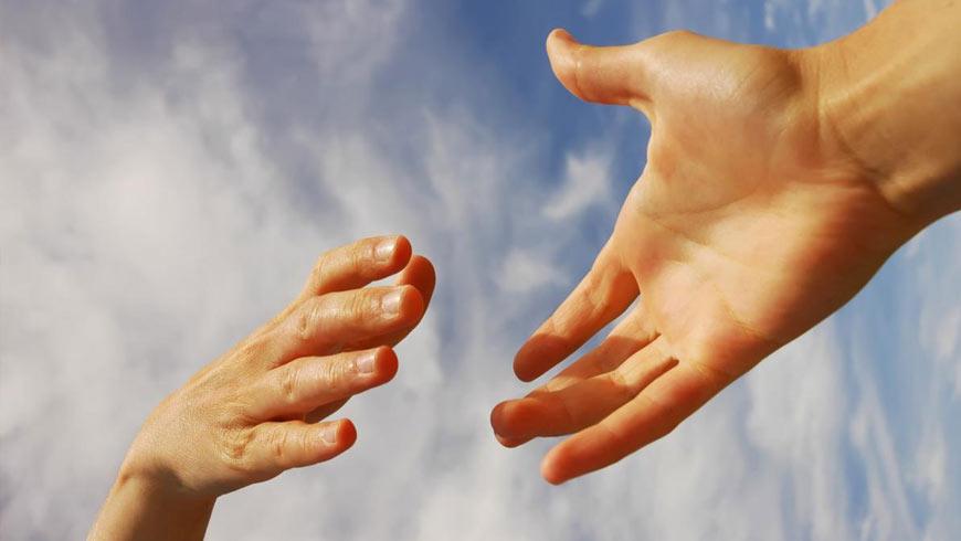 Золочівський районний центр соціальної реабілітації дітей-інвалідів проводить набір. білий камінь, розвиток, самореалізація, суспільство, інтеграція, person, hand, finger, sky, thumb, nail, close. A close up of a hand
