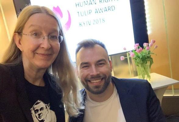 Співведучий програми «#@)₴?$0 з Майклом Щуром» Дмитро Щебетюк став лауреатом премії Human Rights Tulip