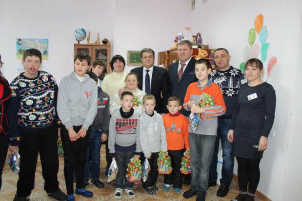 Анатолій Олійник наголосив на важливості інтеграції дітей, які мають обмежені можливості, у суспільство. анатолій олійник, вапнярка, суспільство, інвалідність, інтеграція