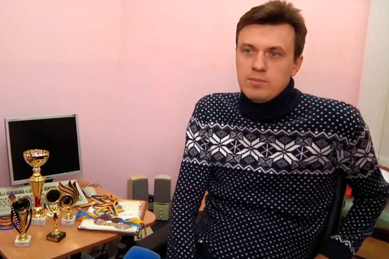 Інвалідний візок - не вирок: Як чоловік із Житомирщини має власну справу, ремонтує техніку і займається спортом (ВІДЕО)