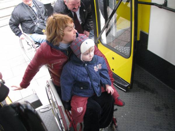 Весь городской транспорт Киева будет доступным для маломобильных пассажиров – КГГА КИЕВ ДОСТУПНЫЙ ИНВАЛИДНОСТЬ ОБЩЕСТВЕННЫЙ ТРАНСПОРТ ОСТАНОВКА