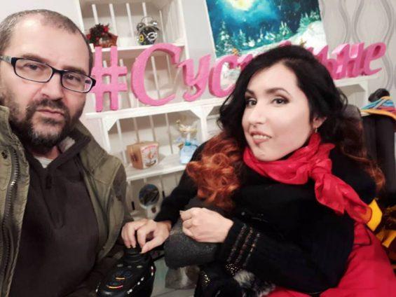 Запорожская художница, которую не брали на ТВ из-за инвалидности, всё-таки устроилась на «Суспільне»