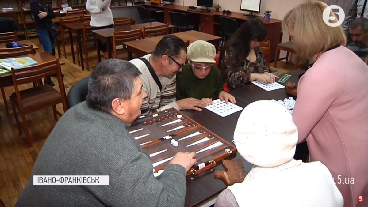 Інтерактивний центр для незрячих облаштували в Івано-Франківську: чим оснащена бібліотека (ВІДЕО)