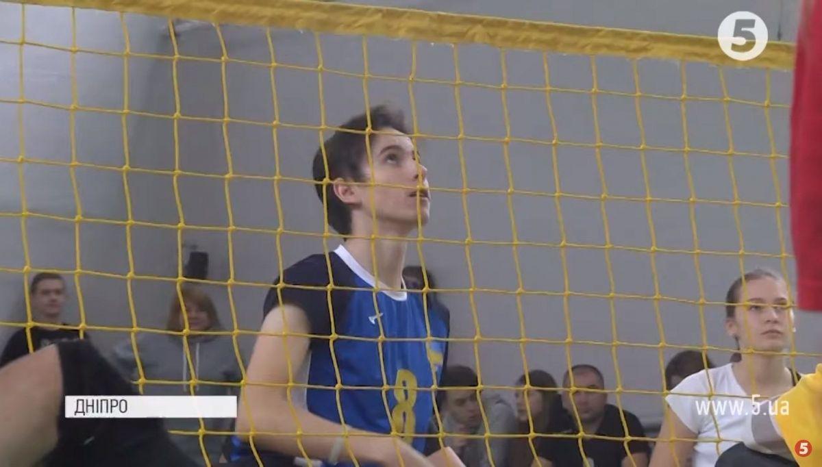 Виклик суспільству: в дніпровській школі провели інклюзивний урок за участі спортсменів-паралімпійців (ВІДЕО)