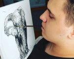 Хлопець, якого паралізувало на батуті в Житомирі, тепер малює картини, тримаючи пензлик в зубах (ФОТО). максим калінчук, заняття, картина, талант, інвалідний візок, person, drawing, sketch, indoor
