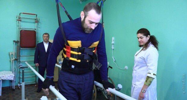 В Киевском районе Одессы работает уникальный реабилитационный центр (ВИДЕО) ОДЕССА ПАЦИЕНТ ПРОГРАММА ЗДОРОВЬЕ ЭРГОТЕРАПИЯ ІНСУЛЬТ