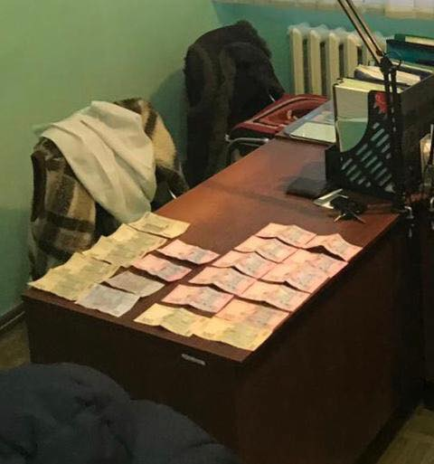 На Сумщині викрито медика, який вимагав та отримав хабар від людини з інвалідністю (ФОТО)