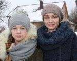 Для особливих дітей Острога відкрили інклюзивно-ресурсний центр (ФОТО). ірц, острог, особливими освітніми потребами, реформа, інклюзія, person, human face, outdoor, scarf, snow, clothing, smile, jacket, knit cap, bonnet. A woman wearing a hat and smiling at the camera