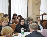 Мінсоцполітики вдосконалює нормативну базу щодо захисту прав дітей з інвалідністю. мінсоцполітики, нарада, проект, раннє втручання, інвалідність, person, human face, indoor, bottle, group, people, sitting, man, woman, clothing. A group of people sitting at a table