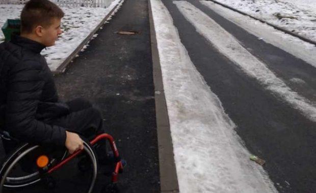 Отримала цінний мотиваційний урок від хлопця, що на інвалідному візку стрибає по сходах (ФОТО, ВІДЕО)