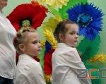 Відвідування інклюзивного центру буде безкоштовним для батьків (ФОТО, ВІДЕО). чернівці, особливими освітніми потребами, фахівець, інклюзивно-ресурсний центр, інклюзія, person, human face, flower, colorful, child, clothing, toddler, colored. A group of colorful flowers