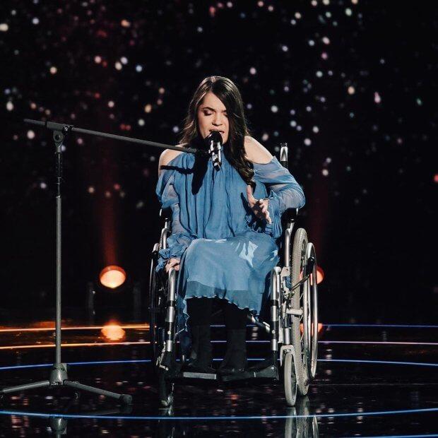 """""""Прямо в душу влізла"""": дівчина-інвалід довела до сліз суддів """"Голосу країни"""" (ФОТО, ВІДЕО) ГОЛОС КРАЇНИ МАГДАЛЕНА ПАСКАР ПРОЕКТ СПІВАЧКА СУДДЯ"""