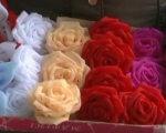 Заработать на жизнь: Юноша с инвалидностью из Краматорска создает украшения для волос (ВИДЕО). павел еганов, изделие, инвалидность, рукоделие, украшение, rose, flower, indoor, plant. A close up of a flower