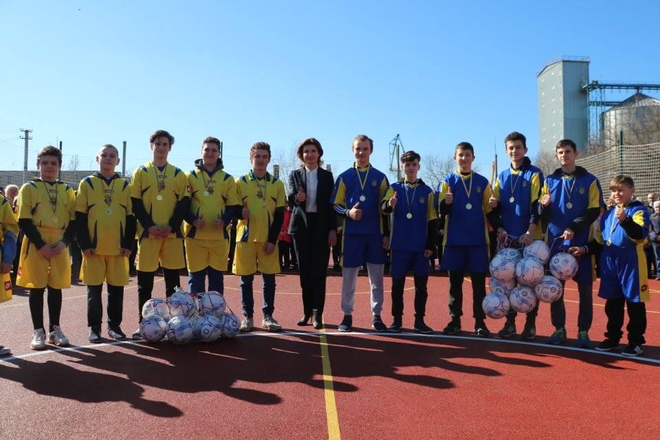 На Херсонщині відкрили багатофункціональний спортивний майданчик для дітей з вадами слуху (ФОТО)