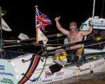 Ветеран перетнув Атлантику і встановив два рекорди відразу. атлантика, лі спенсер, ветеран, рекорд, інвалід, person. A man standing on a boat