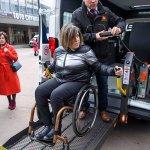В Україні створюють службу перевезень для людей на інвалідних візках