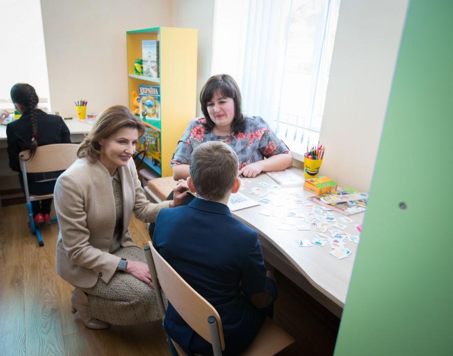 Марина Порошенко презентувала перший на Івано-Франківщині мобільний Інклюзивно-ресурсний центр для дітей з особливими освітніми потребами (ФОТО)